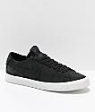 Nike SB Blazer Zoom Low Deconstructed zapatos de skate en negro y blanco