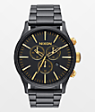 Nixon Sentry reloj cronógrafo en negro y color oro