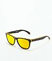 Oakley Frogskins Grips gafas de sol en negro y amarillo