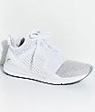 PUMA Ignite Limitless zapatos tejidos en blanco y color plata