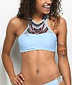 Trillium Barbados top de bikini azul con cuello alto bordado