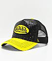 Von Dutch gorra trucker con brillos en negro y amarillo