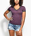 Zine Ori camiseta en color borgoño con el cuello en V