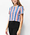 Zine Quinn camiseta corta de rayas en azul y rosa