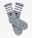 adidas calcetines de casa en gris y rosa