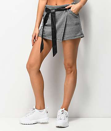 Almost Famous Houndstooth Belted Skort
