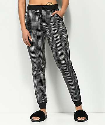 Almost Famous Peached pantalones jogger en tartán negro