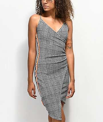Almost Famous vestido atlético asimétrico a cuadros