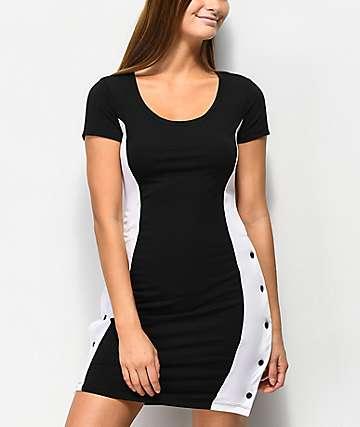 Almost Famous vestido negro y blanco con botónes