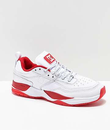 DC E. Tribeka Shanahan zapatos blancos y rojos