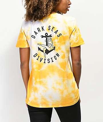 Dark Seas Bon Voyage camiseta amarilla con efecto tie dye