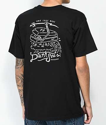 Dark Seas Last Wave camiseta negra y blanca