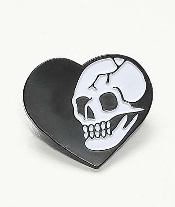 Deja Pins Heart Skull Pin In Black & White