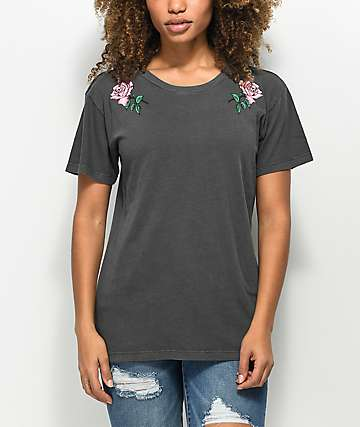 Desert Dreamer Rose Colored Black T-Shirt
