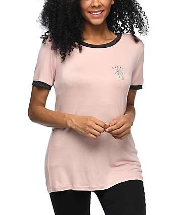 Empyre Rudd Shady Palm camiseta ringer en rosa clara