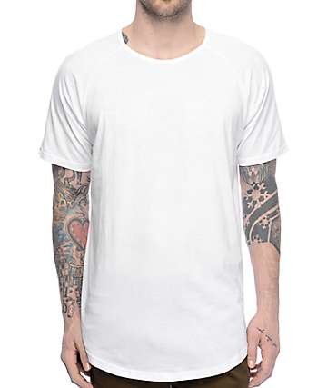 Fairplay 04 Scallop Side Split White Elongated T-Shirt