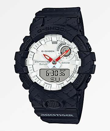 G-Shock x Asicstiger GBA800AT-1A reloj negro y blanco
