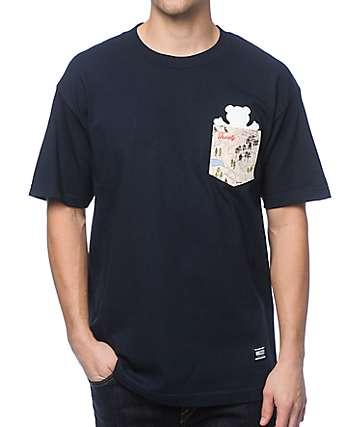 Grizzly Trail Map camiseta con bolsillo en azul marino