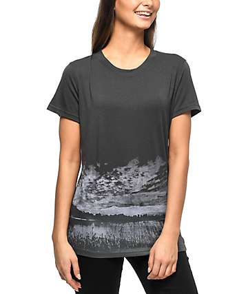 Hanhny Hideaway Cut Out Charcoal T-Shirt