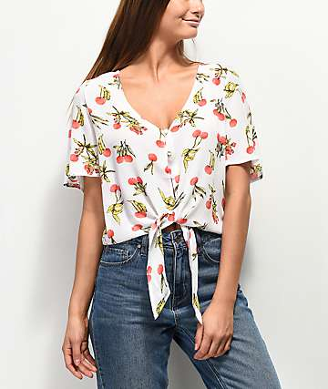 Love, Fire Cherry blusa anudada blanca
