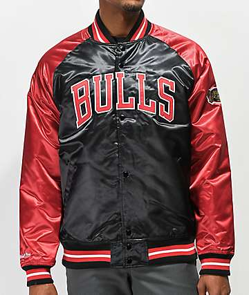 Mitchell & Ness Bulls Black Varsity Jacket