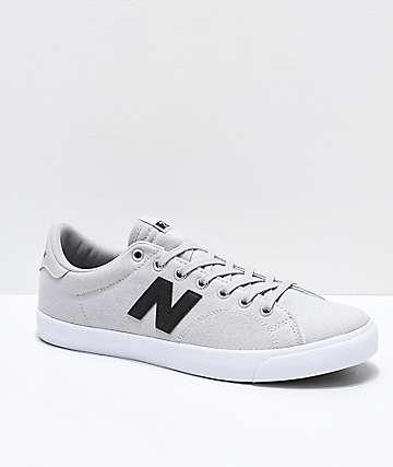 New Balance Numeric AM 210 zapatos de skate grises, negros y blancos
