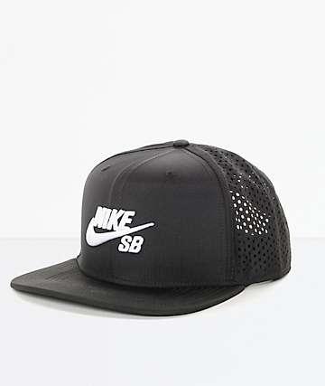 Nike SB Performance gorra trucker en blanco y negro