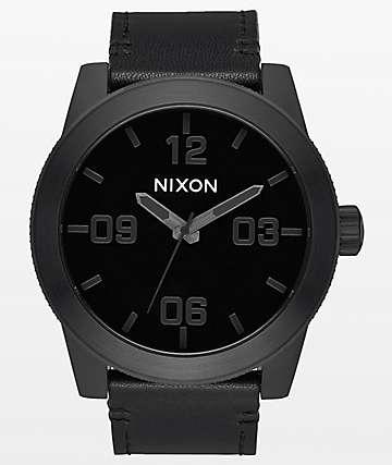 Nixon Corporal Leather reloj analógico en negro