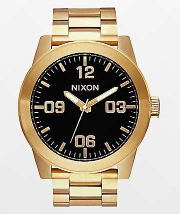 Nixon Corporal SS análogo en completo dorado y negro