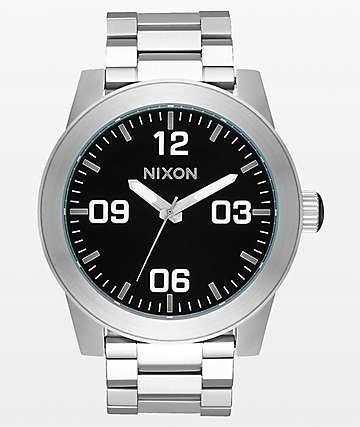 Nixon Corporal SS reloj analógico plateado y negro