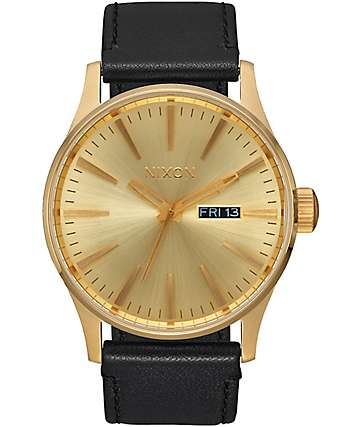 Nixon Sentry Leather reloj en negro y color oro