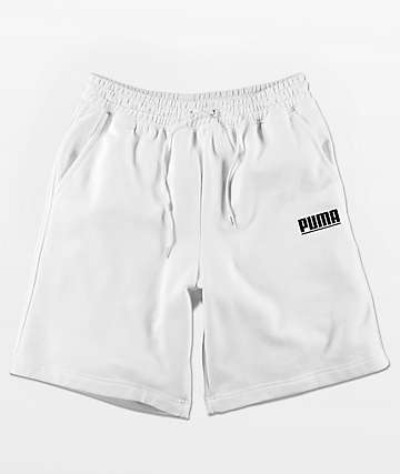 PUMA Logo Tower shorts de rizo en blanco