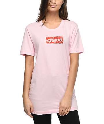 Petals & Peacocks Organized Chaos camiseta rosa
