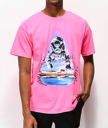 Pink Dolphin Cave Diver camiseta rosa