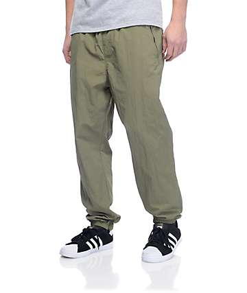 Primitive Creped pantalones deportivos en verde olivo