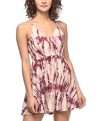 Trillium Cleo vestido con efecto tie dye en color vino