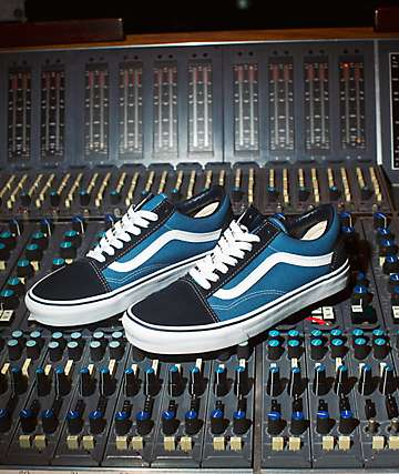 98baeb49974de5 Vans Old Skool Navy Skate Shoes