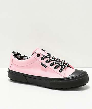 Vans x Lazy Oaf Style 29 zapatos negros y rosas