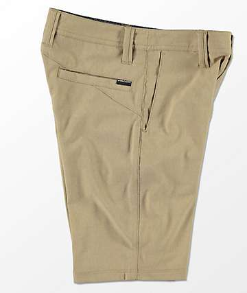 Volcom Frickin Static shorts híbridos en color caqui para niños