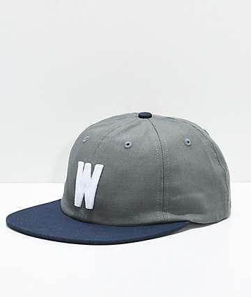 WKND W gorra gris y azul marino