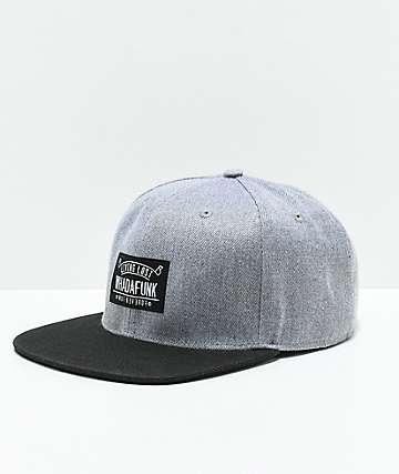 Whadafunk Living Lost gorra negra y gris