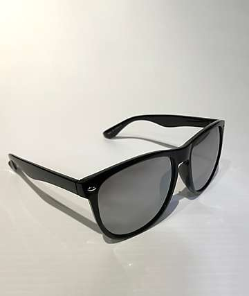 Wonder Classic Black Sunglasses