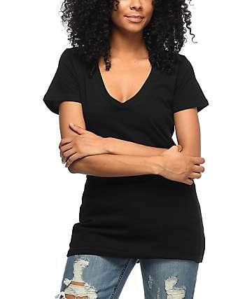 Zine Beta camiseta negra con cuello en V
