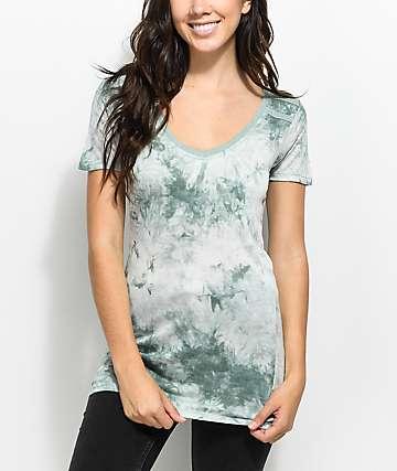 Zine Kalene camiseta ringer en verde con efecto tie dye y el cuello en V