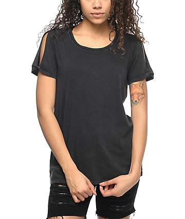 Zine Tresa camiseta negra con hombros descubiertos