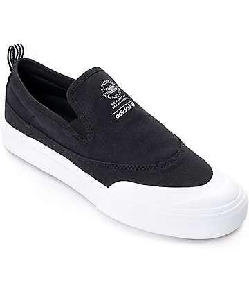 adidas Matchcourt zapatos de skate sin lazos en blanco y negro