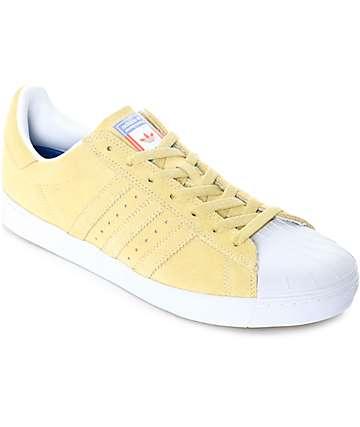 adidas Superstar Vulc ADV zapatos en amarillo pastel