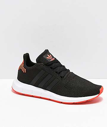 adidas Swift Run zapatos en naranja, negro y blanco