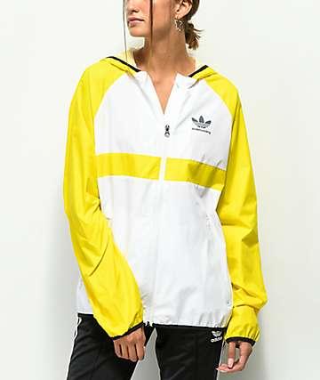 adidas chaqueta cortavientos amarilla y blanca