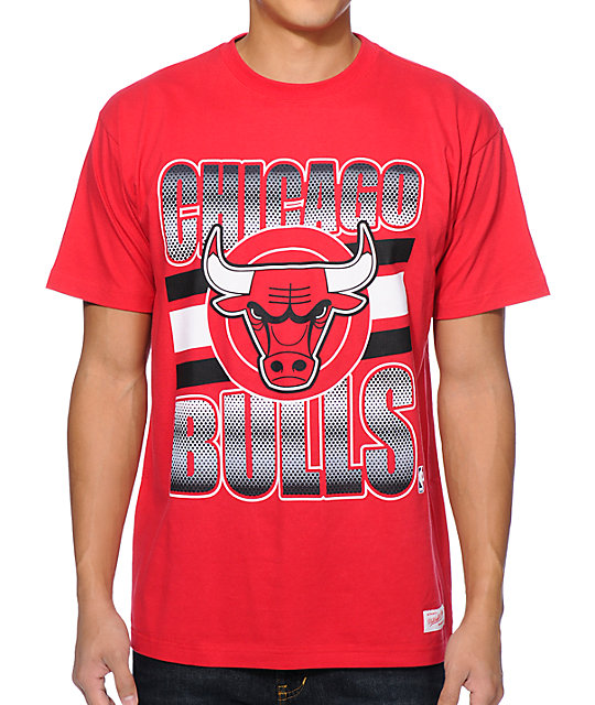 new product 58365 ddc16 Mitchell and Ness Chicago Bulls Grad Red T-Shirt